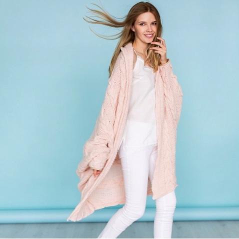 ROBI AGNES Sweater