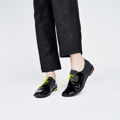 Tie-free elastic shoelaces