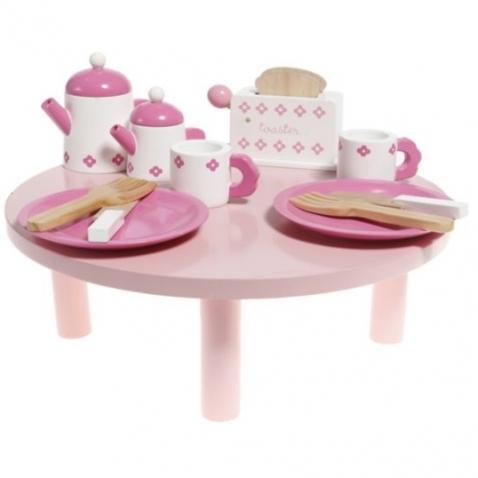 """Žaislų rinkinys """"Vaišių stalas"""" su indais"""